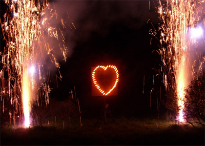 Das flammende Herz - so drückt man Gefühle effektvoll aus.
